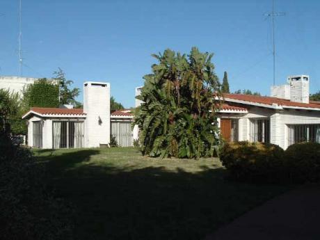 Carrasco Sur, Muy Amplia E Impecable. Ideal Empresa, Residencial, Etc