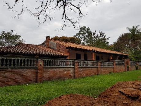 Vendo Casa Estilo Colonial En Aregua