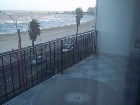 Apartamento Sobre El Mar, Amplio 2 Y Servicio Tza Gge Vig!