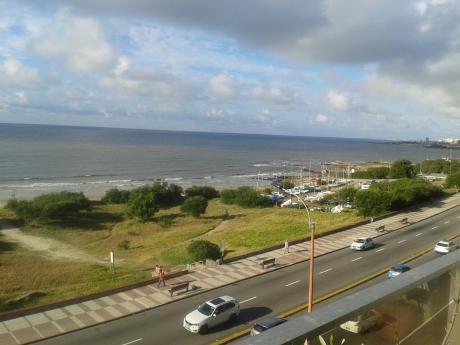 Sobre Rambla, Vista Al Mar