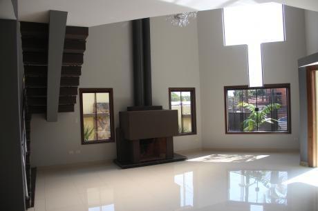 Vendo Fina Casa En Villa Adela