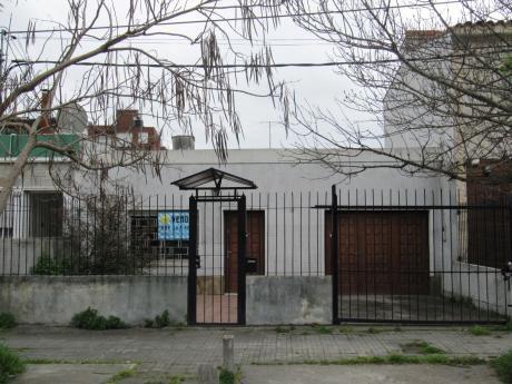 Casa La Blanqueada 3 Dorm 2 Baños Gge Patio Parrillero