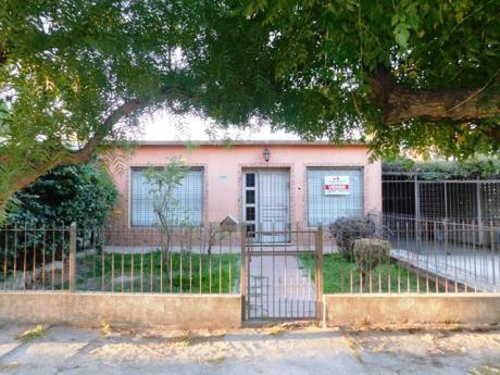 Vendo Casa De 2 Dormitorios En La Paz