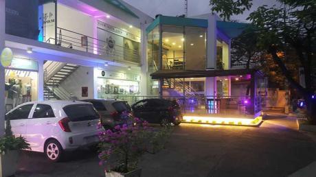 Local Frente Al Centro De Eventos Del Shopping Mariscal
