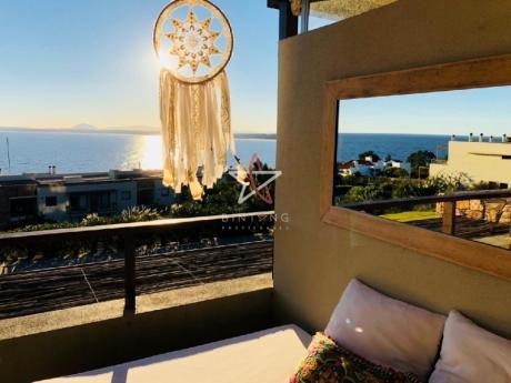 Apartamento, 2 Dormitorios, 2 Baños + Toilette, Punta Ballena, Punta Del Este, Venta