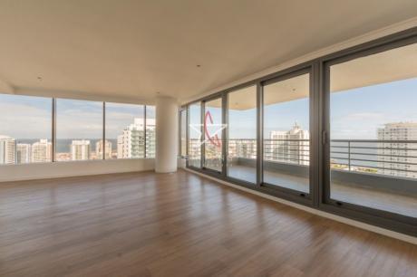 Apartamento 3 Dormitorios, Aidy Grill, Punta Del Este, Venta