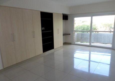 Alquilo Amplio Departamento De 3 Dormitorios En Barrio Manora