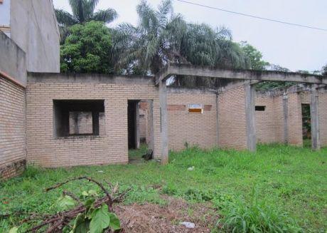 Oferta Terreno Con Dos Duplex A Terminar En Luque