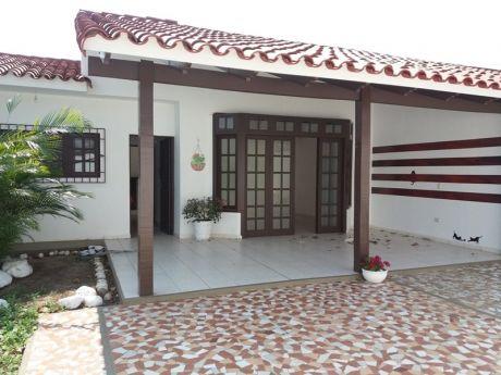 Casa Zona Norte Casi 5to. Anillo Entre Av. Beni Y Alemana