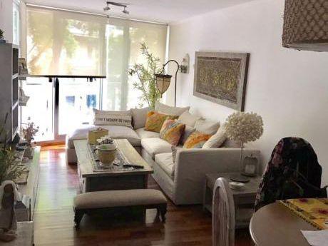 Moderno Apartamento Sobre Ellauri. Con Renta.