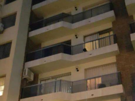Un Apartamento Por Piso