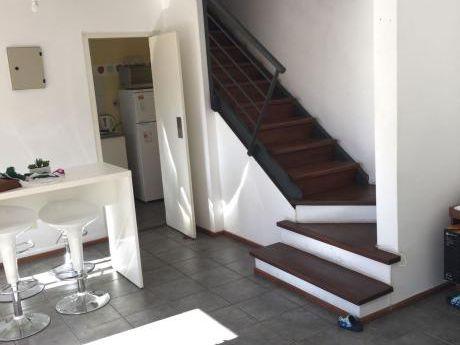 Oportunidad!! Apartamento De 2 Dormitorios En 2 Plantas.