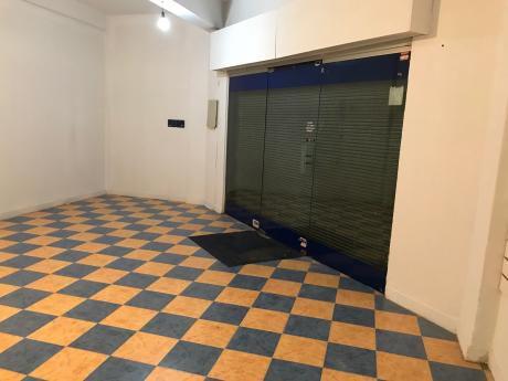 Oficina Sosa - Local En Esquina, Acevedo Díaz Y Canelones