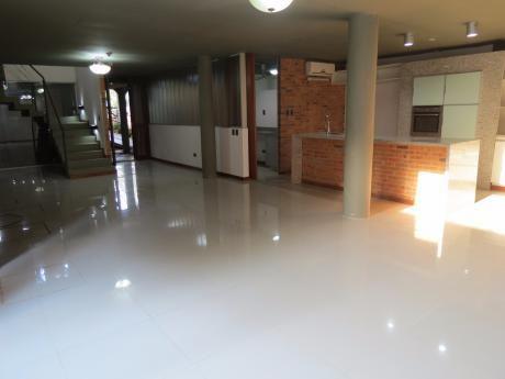 Alquilo Casa Con Piscina En Condominio Z/ Col. Del Sol