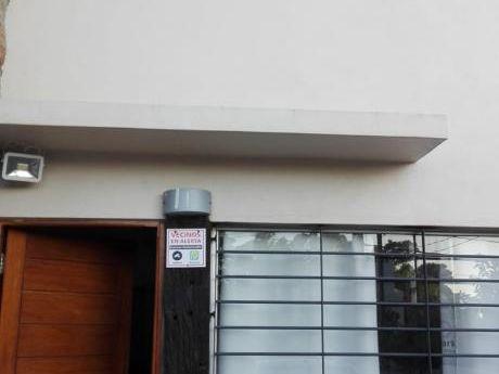 Duplex A Metros De Avenida Giannattasio Con Barbacoa /apartamento
