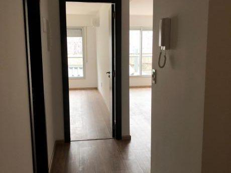 Primer Mes Gratis! Apartamento De 1 Dormitorio A Estrenar!