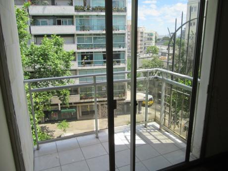 Apartamento 1 Dormitorio. Excelente. Muy CÓmodo. Av Brasil