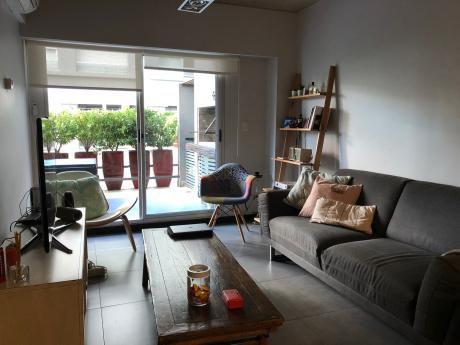 Apartamento De 1 Dormitorio, Amoblado Con Parrillero Y Patio Exclusivo!