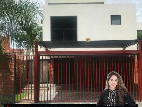 Hermosa Casa En Venta A Pocos Metros De Equipetrol
