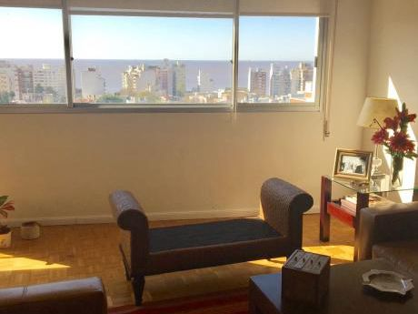 Excelente Apartamento En Villa Biarritz En Edificio De Categoría.