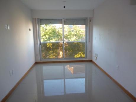 Oportunidad!! Edificio Moderno Y Funcional, G.c $ 2.200