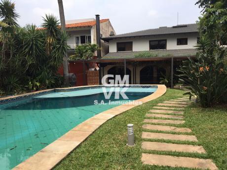 Vendo Hermosa Y Amplia Residencia En Lujoso Barrio Cerrado - Mburucuya
