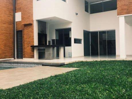 Hermosa Residencia Minimalista