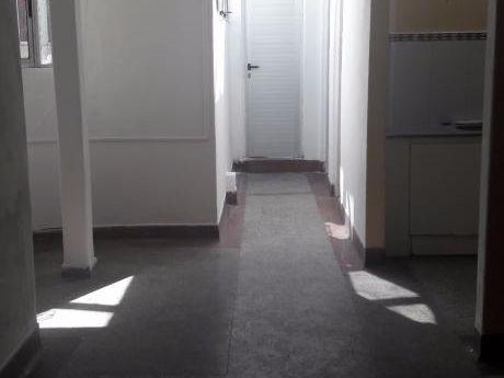 Centro, 1 Dorm,amplio Cta Fte. Gastos Bajos, Ultimo Piso Muy Luminoso, Port