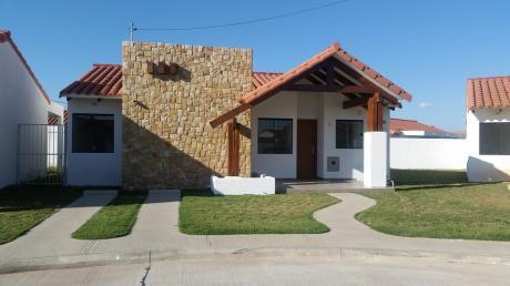 Casa En Venta En Condominio Privado La Fontana Riviera Smart Life