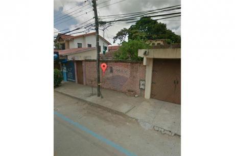 Terreno Con Casa Antigua En Zona Residencial
