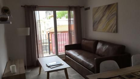 Pocitos, 1er Piso Con Patio, 2 Dormitorios, 2 BaÑos, Garage