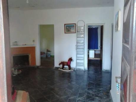 Venta de casas con estufa a le a en piedras blancas for Casas de muebles en montevideo