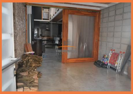 Interesante Y Moderna Casa Próxima Rambla Sur Con Garage !