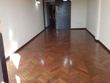 Amplio Departamento De 3 Dormitorios En Barrio Las Mercedes