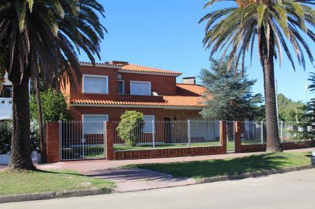 Sóldia Casa En El Centro De Carrasco