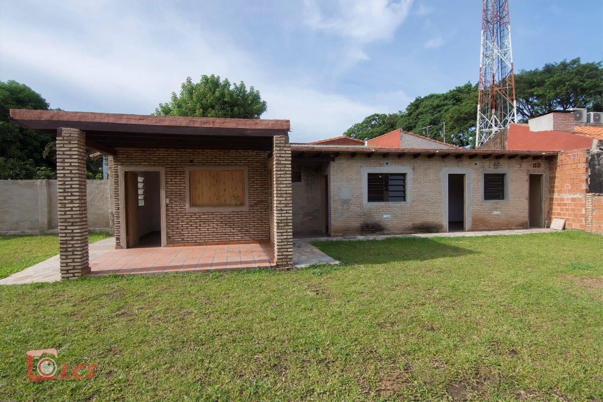 Vendo Casa En Lambaré De 2 Habitaciones, Barrio Cerro Corá