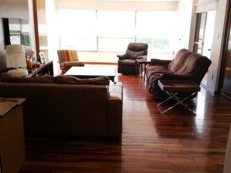 Venta Apartamento Tres Dormitorios Dos Garage Villa Biarritz