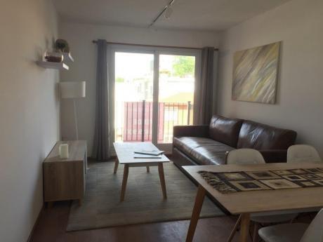Apartamento De 2 Dormitorios Con Gran Patio