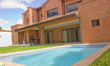 Casa Moderna 5 Dormitorios Villa Aurelia A Estrenar