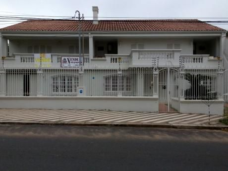 Se Vende Casa En Barrio Jara - Asunción