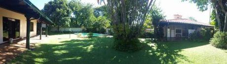 Amplia Casa En Una Planta En Privilegiada Ubicacion