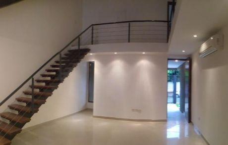 Amplio Duplex De 3 Pisos En Miraflores
