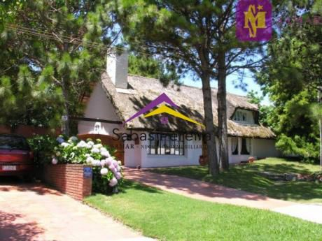 Casa En Pinares 3 Dorm - Servicio-parrillero
