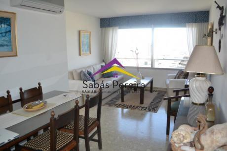 Apartamento En Punta Del Este Con Vista A La Brava