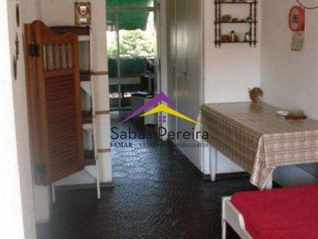 Apartamento 1 Dormitorio Y Medio Ubicado En Zona De Arcobaleno A 4 Cuadras Del Mar.