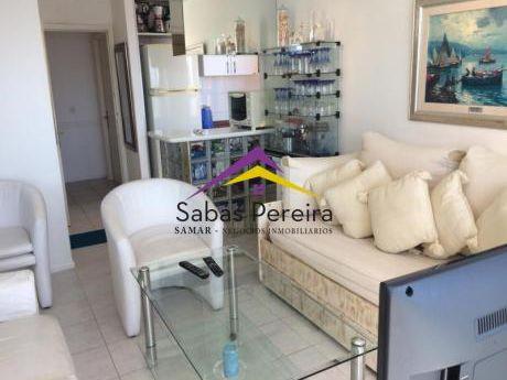 Excelente Apartamento En Punta Del Este, 1 Dormitorio En Playa Brava, A Una Cuadra Del Mar!