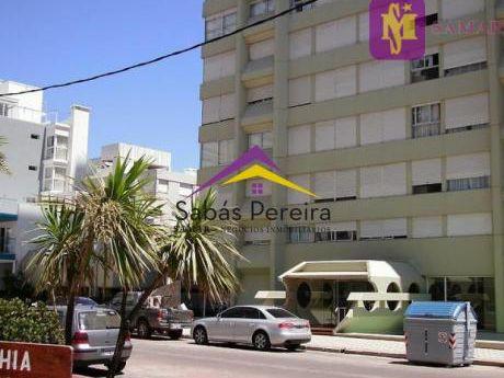 Apartamento En La Península De Punta Del Este Con 3 Dormitorios, Hermosa Vista!