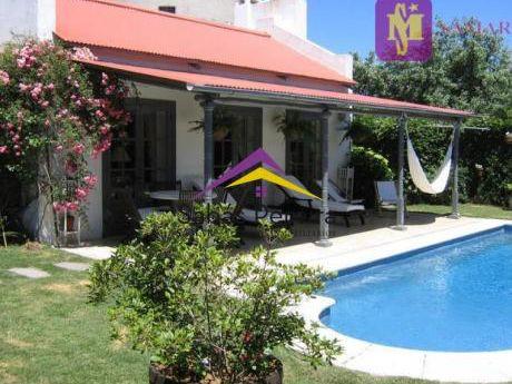 Hermosa Casa En La Barra
