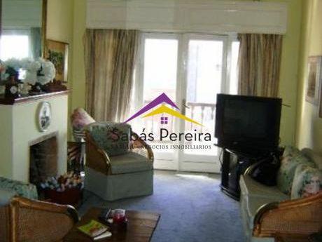 Apartamento 2 Dormitorios Ubicado En La Península De Punta Del Este, Con Vista Al Mar!