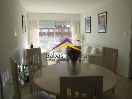 Apartamento Ubicado En Pleno Centro, Península De Punta Del Este, 3 Dormitorios!